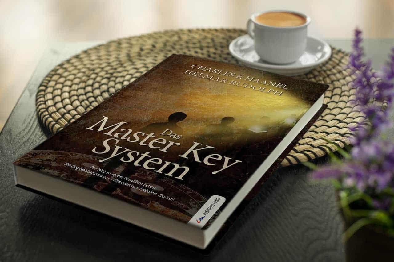 Frau mit der Master Key System Special Edition