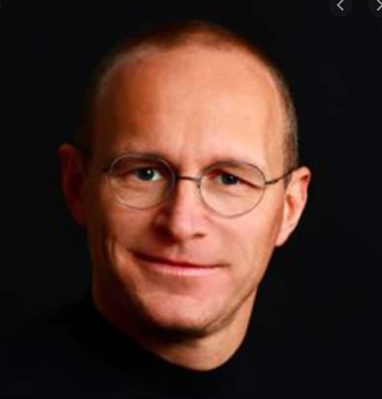 Tobias Knoof